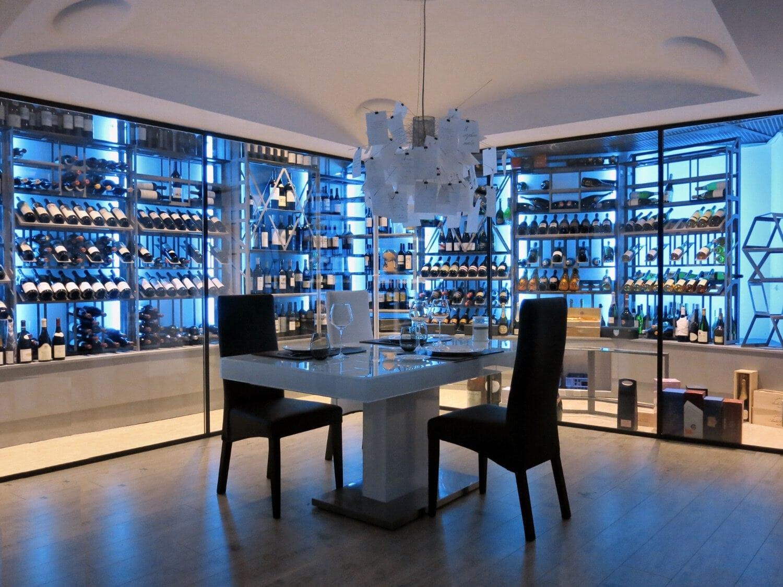 Wine cellar design by Dragon Cellars