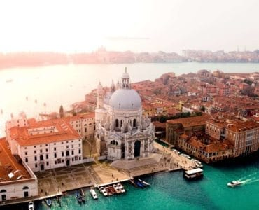 Basilica di Santa Maria della Salute and the city of Venice