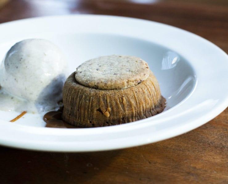 Quinto La Huella's Volcan Dulce De Leche Cake