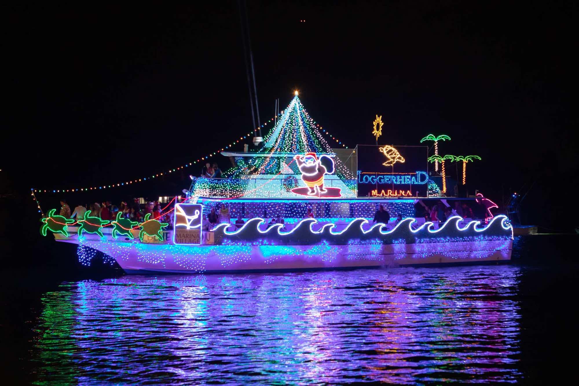 HolidayBoatParade_02