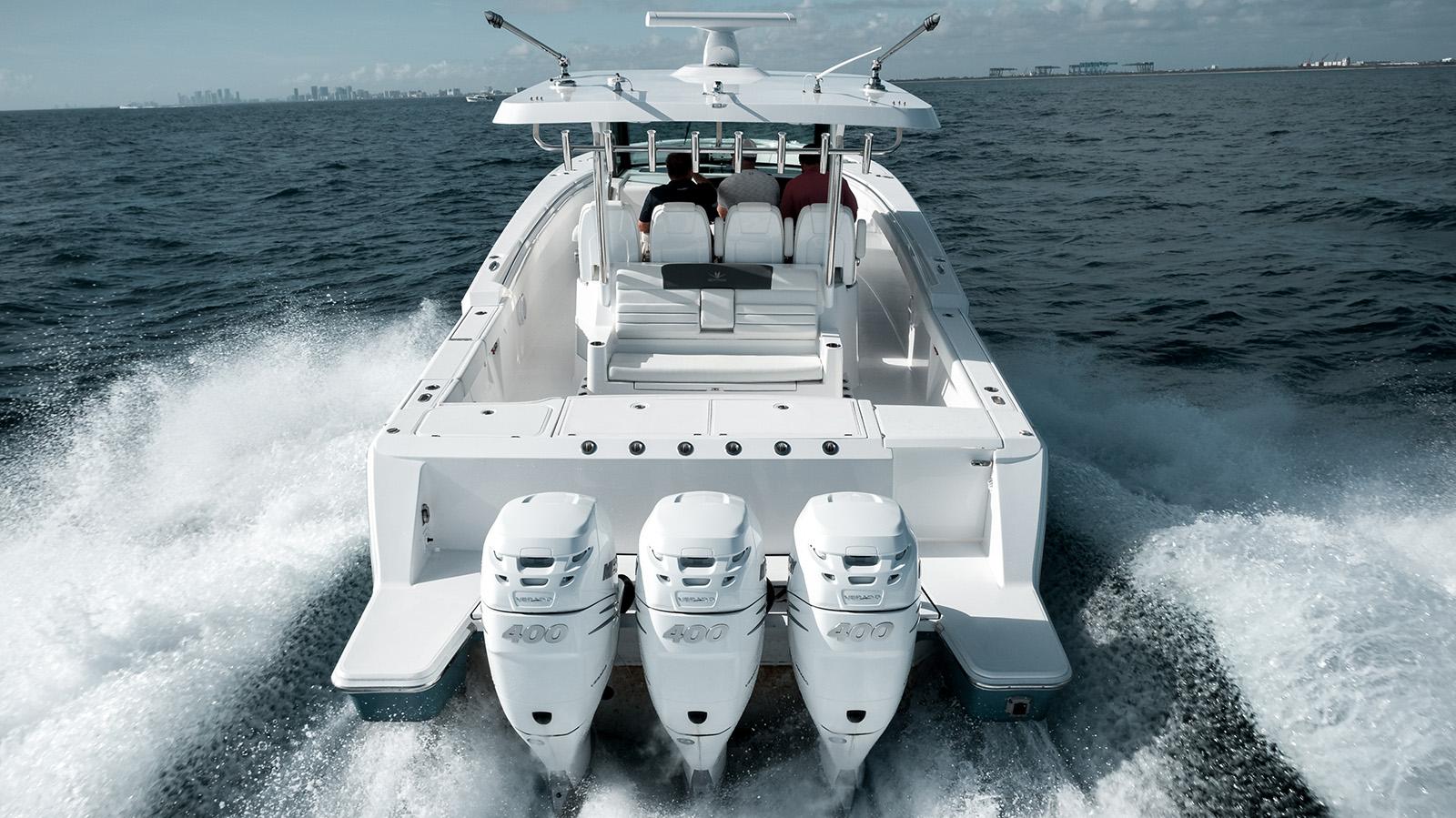 Bertram Yachts' 30 CC