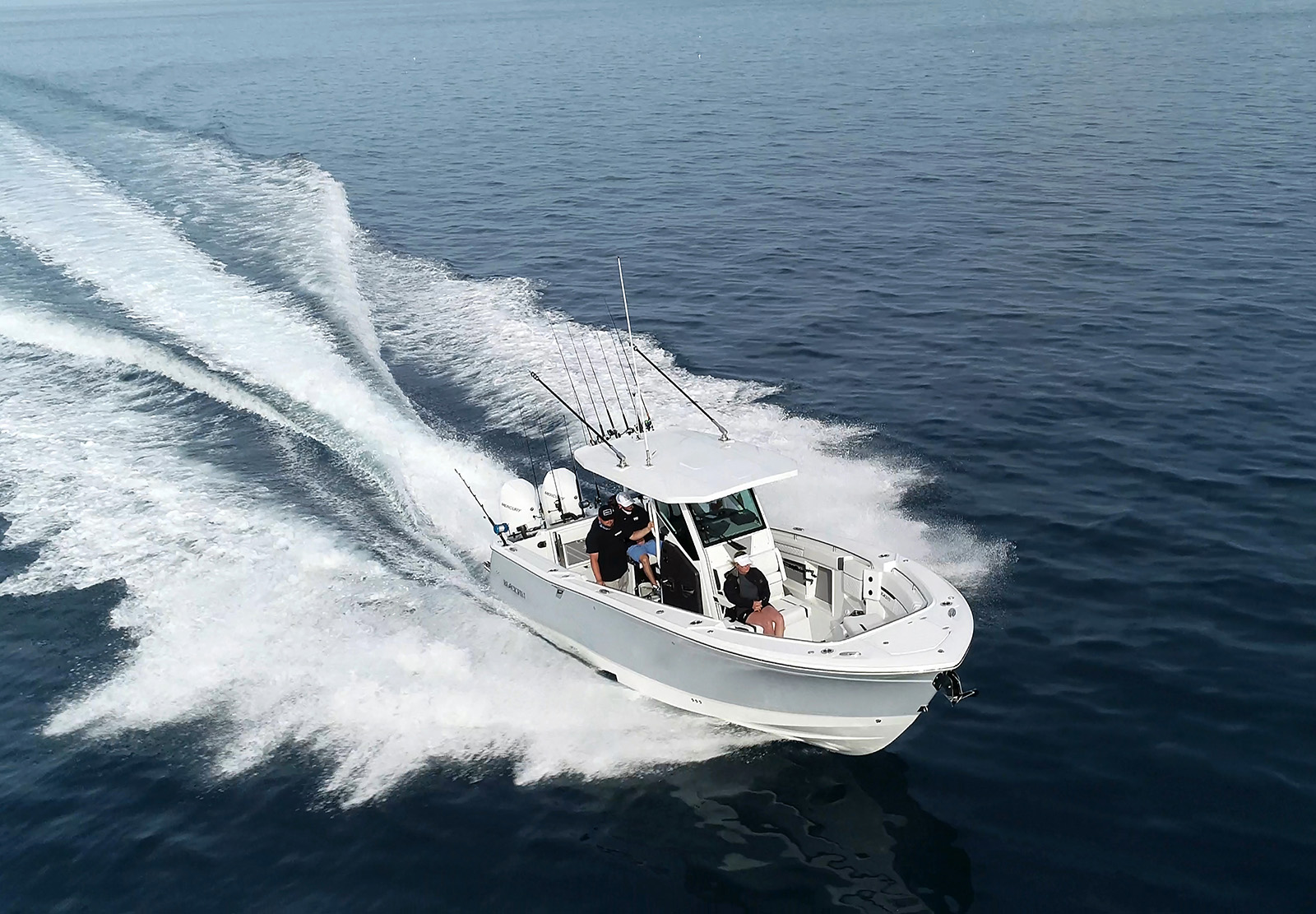 A day of fishing aboard the Blackfin 302CC